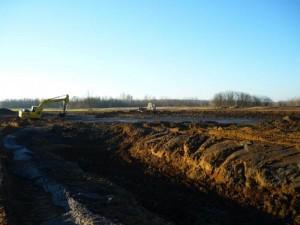 Veresegyházi Malom-tó kotrása, zagykazetta építés. DOVI-Trade Kft