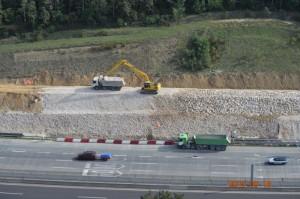 M0 autópálya támfal megerősítés.  DOVI-Trade Kft